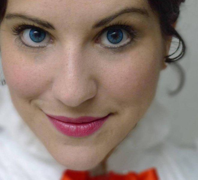 Jessica-Mary-Poppins-Show-Logo-Closeup